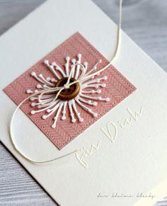 """der kleine klecks selbstgemachte Glückwunschkarte mit gestanzter Pusteblume und Holzknopf  Pusteblume groß und klein von Charlie & Paulchen """"für dich"""" Stempel aus dem Set """"Dankeschön"""" von Charlie & Paulchen Pusteblume Stanze"""