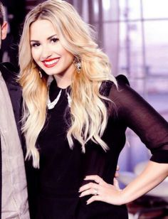 I am obsessed with her hair Vegas Hair, Tough Girl, Celebs, Celebrities, Layered Hair, Celebrity Hairstyles, Girl Crushes, Demi Lovato, Summer Hairstyles