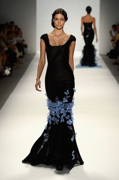 Carolina Herrera Spring 2004 Ready-to-Wear Fashion Show ...