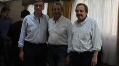 Socios. Binner, Cobos y Alfonsín, ayer, durante su recorrida por Mar del Plata para promocionar al Frente UNEN./ Fabián Gastiarena
