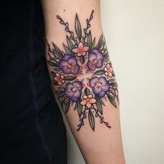 Find Most Popular Flower Tattoos Drawing, Ideas and variety of Art. You will love to check hundreds of Stunning Rose & Lotus Floral Tattoo Designs. Armbeugen Tattoos, Love Tattoos, Unique Tattoos, Body Art Tattoos, Color Tattoos, Forearm Tattoos, Pansy Tattoo, Violet Tattoo, Mandala Tattoo