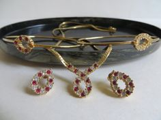 Four Pieces Vintage Avon Jewelry The Plaza by YaYasAttic on Etsy, $40.00