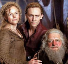 Tom Hiddleston as Hal, with Maxine Peake as Doll Tearsheet & Simon Russell Beale as Falstaff - Henry IV - Hollow Crown 2013 The Hollow Crown, Shakespeare Plays, William Shakespeare, Shakespeare Quotes, Thomas William Hiddleston, Tom Hiddleston Loki, Simon Russell Beale, Henry Iv Part 1, Julie Walters