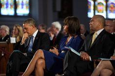 O presidente Barack Obama ea primeira-dama Michelle Obama participar de um culto de oração inter-religiosa ...