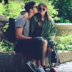 Cameras Flash Part Three *:・゚ Joey King, King Jacob, Kissing Booth, High School Musical, Cute Couples Goals, Couple Goals, Cute Celebrities, Celebs, Best Couple Photos