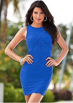 Beautiful Blue Fashions to Brighten Up Your Wardrobe Elegantní Oblečení 6f147a20e3