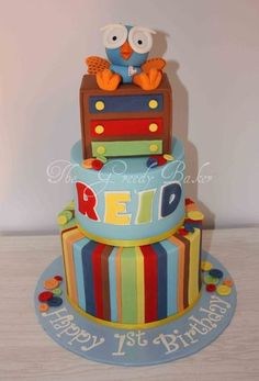 15 Most Beautiful and Amazing Owl Birthday Cakes and owl Cookies for Kids birthdays (but grown ups can use them too). Who doesn't like cute owls? Owl Cake Birthday, Bithday Cake, First Birthday Cakes, 3rd Birthday, Birthday Ideas, Ladybug Cakes, Owl Cakes, Cupcake Cakes, Fruit Cakes