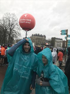 James Stirling & Rosie Percy- Team Fitbit Semi de Paris 2017 UK finishers Stirling, Celebs, Celebrities, Fitbit, Fans, Fitness, Star Ring, Celebrity, Famous People