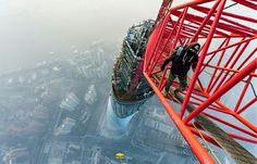 玩命戰鬥民族,徒手攀爬全球第 2 高樓