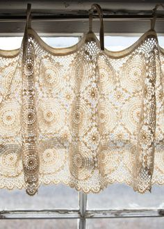Crocheted medallions get a fresh update in this Medallion valance.