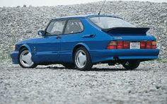 Classic Saab 900 Aero