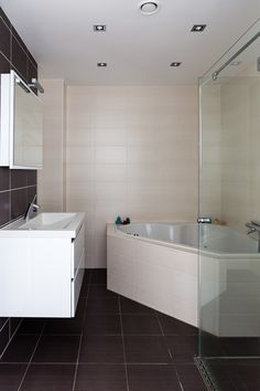 Rotterdam, Alcove, New Homes, Bathtub, Diy Projects, House Design, Bathrooms, Standing Bath, Bathtubs