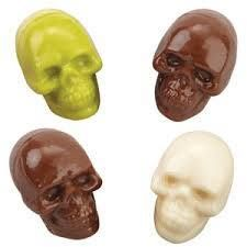 Make 4 spooky skulls! 4 Front of skull molds 4 Back of skull molds With this candy mold and easy-melting Wilton Candy Melts®, it's a breeze to create great tasting and colorful candies. Skull Halloween Candy Mold from Wilton - NEW Cake Decorating Store, Wilton Cake Decorating, Wilton Candy Melts, Chocolate Candy Cake, Chocolate Molds, Halloween Skull, Halloween Candy, Chocolates, Fondant Cake Tutorial