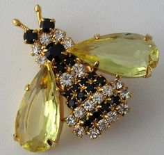 Vtg Rhinestone Bumble Bee Pin