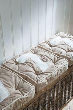 Riviera Maison box pillows