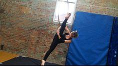 Elbow hang splits