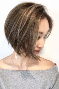 横顔もすっきり見える菱型ショートボブ | 美容室カキモトアームズのおすすめヘアスタイルカタログ
