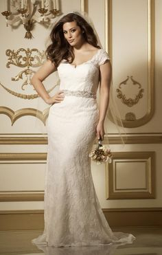 Wtoo Curve Collection: beautiful, fashion-forward wedding dresses for plus-size brides