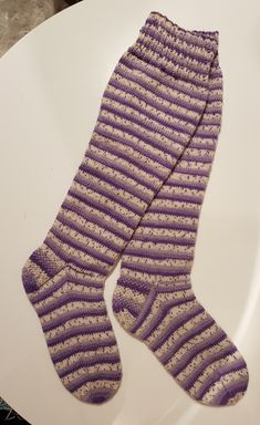 Marimekko, Knitting Projects, Knitted Hats, Socks, Outfits, Fashion, Moda, Suits, Fashion Styles