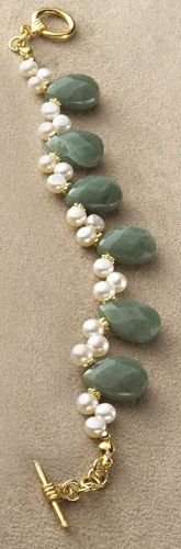 Diy Jewelry : Adventurine and Freshwater Pearl Bracelet $46 Art Inst Chicago