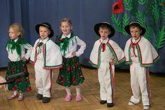Taniec górlaski dzieci z Przedszkola nr 240 - występ dla partnerów