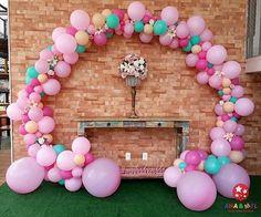 Que lindo este arco de balões. Por @anaemelbaloes #blogencontrandoideias #encontrandoideias #fabiolateles