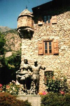 Statue of Andorra. ANDORRA La VELLA