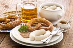 Addison Oktoberfest Come celebrate Oktoberfest in Addison!The festival was dubbed one of North America's top 10 Oktoberfest parties. Bavarian Recipes, Bavarian Food, White Sausage, Traditional German Food, Deli Food, Food Food, Oktoberfest Party, Best Candy, Perfect Party