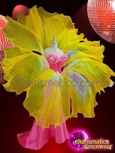 CHARISMATICO Yellow Floral Fairy diva large Lily flower belt Large Flowers, Yellow Flowers, Samba Dance, Flower Costume, Flower Belt, Carnival Costumes, Pink Sequin, Flower Dresses, Costume Design