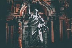 """Are Christians even able to do historical Jesus studies? After all, Christians have a religious commitment to Jesus and so their scholarship will be """"tainted"""" by their faith. Jesus Christ Statue, Jesus Christ Images, Architecture Classique, Greatest Commandment, Why Jesus, Christian Religions, Son Of God, History Channel, Heaven On Earth"""