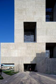 Centro de Innovación UC_ Alejandro Aravena_Macul, Santiago de Chile_2014.
