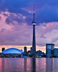 #JSSunrise  Rising from the northwestern shore of Lake Ontario, Toronto is Canada's cultural hub. #Jetsetter