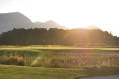Driving Range #Golfsport #Golfen #Golf #Golfing #DrivingRange #GolfCourse #green #chippinggreen #puttinggreen #putten #chippen #golfhotel #hotel #hotels www.golf-resort-achental.com #chiemgau #chiemsee #bayern #bavaria #germany #deutschland #sport