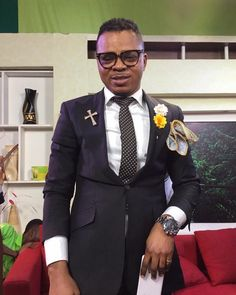 Bishop Daniel Obinim In a video circulating around, Angel Obinim is seen in the auditorium, being bathed with money from the crown of his head to the sole of his feet – amidst chiefs, dance in circles around him. The man of God appears taken aback and watches on dumbfounded. Watch below and s...