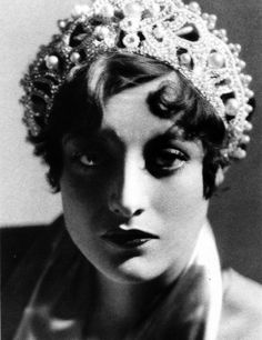 Joan Crawford •• I've never seen this one of Joan before.