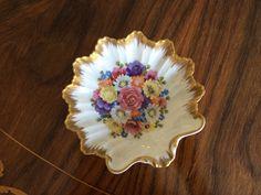 Posacenere porcellana bianca con fiori della Giraud Limoges France / Elegante piattino porta caramelle, ciccolatini della Limoges France di VintaFai su Etsy