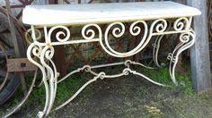 mesa arrimo hierro antiguo