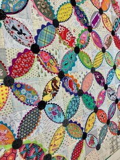 Cute Quilts, Scrappy Quilts, Baby Quilts, Star Quilts, Colorful Quilts, Applique Quilts, Embroidered Quilts, Quilting Projects, Quilting Templates