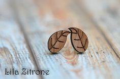 Holzohrringe - Ohrstecker aus Holz ❤Blättchen❤ - ein Designerstück von _Lila_Zitrone_ bei DaWanda