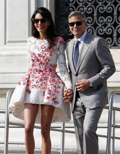 George Clooney gushed over Amal Clooney at Golden Globes George Clooney, Vestidos Dolce Gabbana, Amal Alamuddin Style, Nice Dresses, Prom Dresses, Wedding Dresses, Gown Pictures, Photos, Mini Vestidos