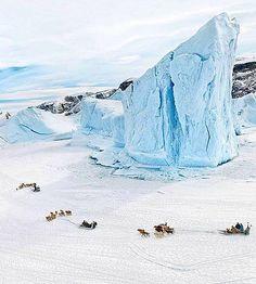 Dogsleddig in Uummannaq, Greenland - Photo Tiina Itkonen Photography