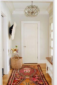 Nous aimons tous décorer! Choisir des échantillons de peinture, trouver l'objet décoratif principal du salon et bien d'autres choses nous rendent impatients à l'idée de décorer la…