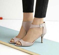 Bilekli açık ayakkabı modelleri...