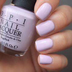 OPI I'm Gown For Anything! #opialicethroughthelookingglass очень разбеленый лиловый крем-отличник. Плотный, умеренной густоты, комф&#1