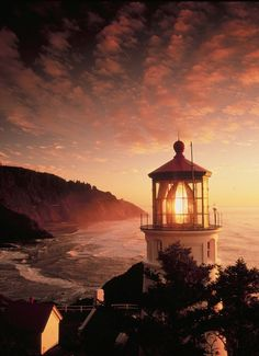 Very pretty, don't you think? A lighthouse in Heceta Head, Oregon.