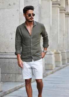 To wear to a wedding, how to wear, mens white shorts, men style tips, short Mens Fashion Summer Outfits, Mens Fashion Suits, Guy Summer Outfits, Mens Suits, Stylish Men, Men Casual, Summer Wedding Menswear, Traje Casual, Mens White Shorts