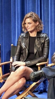 Stana Katic Hot, Molly Quinn, Castle Tv, Kate Beckett, American Actress, Stiletto Heels, Interview, Leather Jacket, Celebs