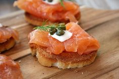 Gravlax is a Europen dish. This dish contains raw salmon fish. Gravlax is usually served as an appetizer. This recipe is perfect for low sodium diet. Fish Dishes, Seafood Dishes, Fish And Seafood, Seafood Recipes, Appetizer Recipes, Cooking Recipes, Appetizers, Norwegian Cuisine, Norwegian Food