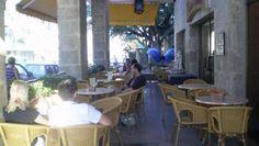 Localizado en el centro del municipio Vedado, frente a la bicentenaria Universidad de La Habana y muy cerca del centro donde están las principales actividades sociales y culturales de la ciudad, la esquina de 23 y L, el Hotel Colina es el lugar ideal para descansar y disfrutar. #habana #cuba #hotel