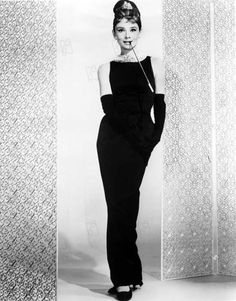 """Hubert de Givenchy Has Died at aristocratic French designer dressed his friend and muse Audrey Hepburn in films such as """"Breakfast at Tiffany's"""" and """"Funny Face. Iconic Dresses, Oscar Dresses, 1950s Dresses, Moda Vintage, Style Vintage, Chanel Little Black Dress, Estilo Coco Chanel, Audrey Hepburn Mode, Audrey Hepburn Black Dress"""